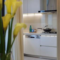现代豪华厨房设计图