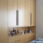 145㎡ 现代简约卧室储物柜设计图