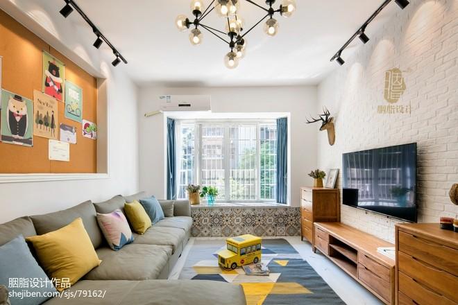 明亮北欧四居客厅设计图片