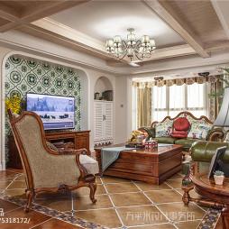 美式三居客厅吊灯图片