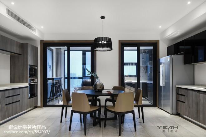190m² 现代风格餐厅实景图