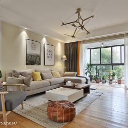 现代三居客厅吊灯实景图