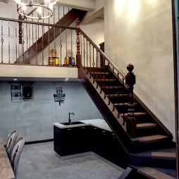 美式三居楼梯设计图