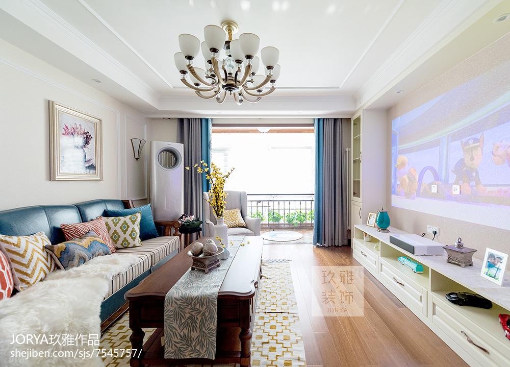 美式风格三居客厅实景图