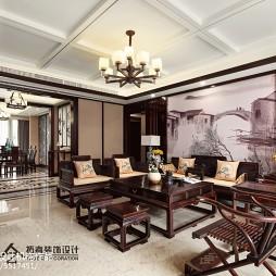 四居中式客厅吊顶设计图