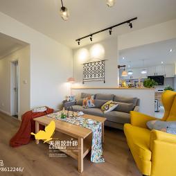 北欧风三居客厅沙发设计图