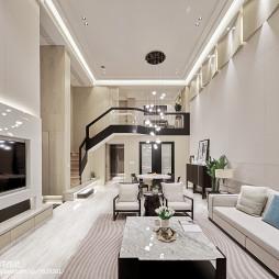 现代豪华三居客厅设计实景图