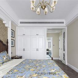 美式卧室嵌入式衣柜设计图