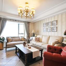 美式二居客厅吊灯设计实景图