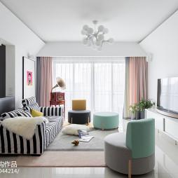 亮白色客厅设计图