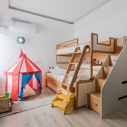 亮白色儿童房设计图片