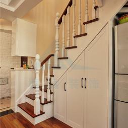 混搭风二居楼梯设计图