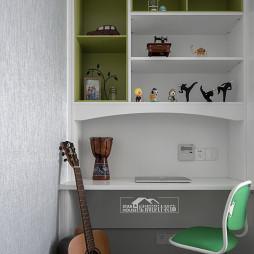 轻奢四居儿童房书桌设计