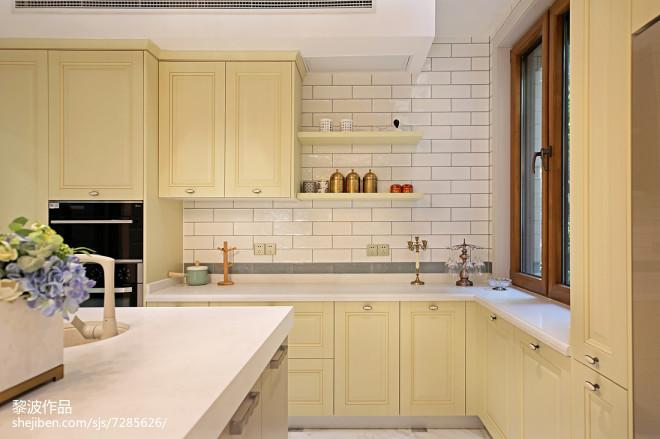 轻奢美式别墅厨房设计