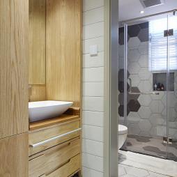 现代别墅卫浴洗手台实景