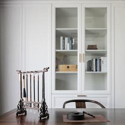 大气中式书房书柜设计
