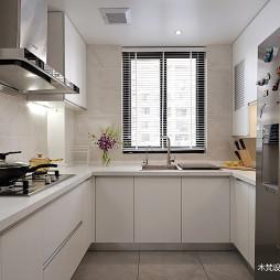 明亮简约厨房设计图
