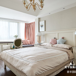 简美复式主卧室设计图