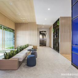 广州德家分公司星光映景办公室过道设计图