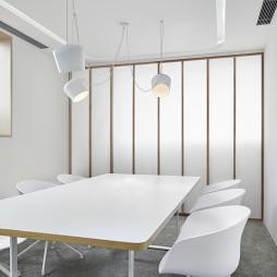 白色极简会议室设计图