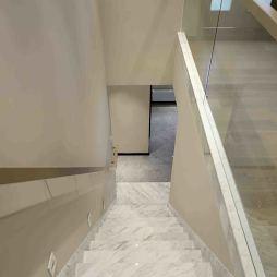 现代别墅楼梯实景