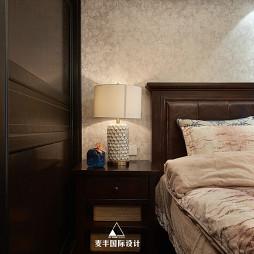 混搭风格卧室床头灯设计图片