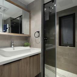 现代四居室卫浴设计图