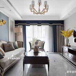 美式轻奢三居客厅设计