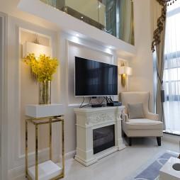 艺术简欧风复式客厅电视墙设计