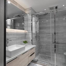 现代轻奢三居卫生间装修设计
