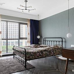 时尚混搭三居卧室设计