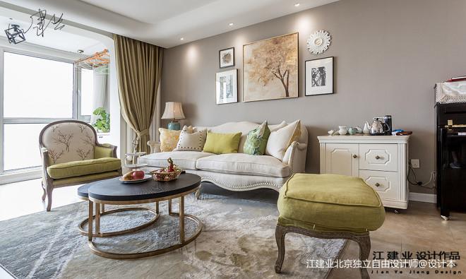 美式三居沙发背景墙设计效果