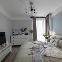 靓丽北欧三居卧室设计