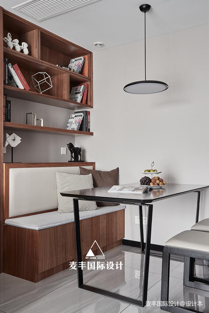 现代简约风三居餐厅设计