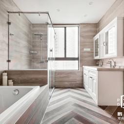 美式四居浴室设计欣赏