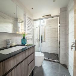 现代四居洗手间设计