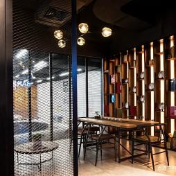 匠人车房展厅餐厅设计