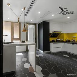 现代风四居厨房设计图