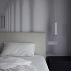 黑白现代三居卧室图