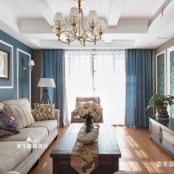 花色美式三居客厅装修设计图