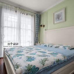温馨美式风格小卧室