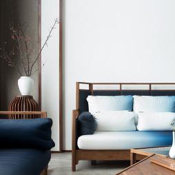 窗明几净的中式风格复式客厅设计