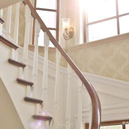 好看的美式风格别墅楼梯设计