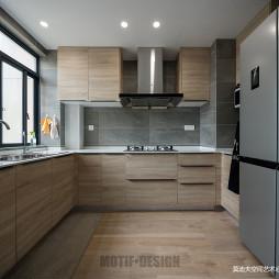 三居简约厨房设计
