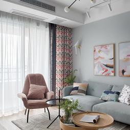 温馨北欧客厅吊灯设计