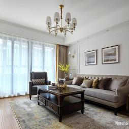 温馨美式三居客厅设计
