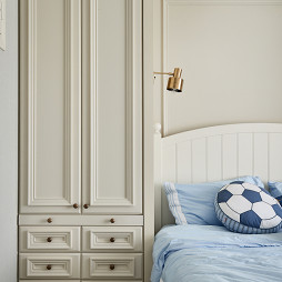 240㎡简美卧室衣柜设计