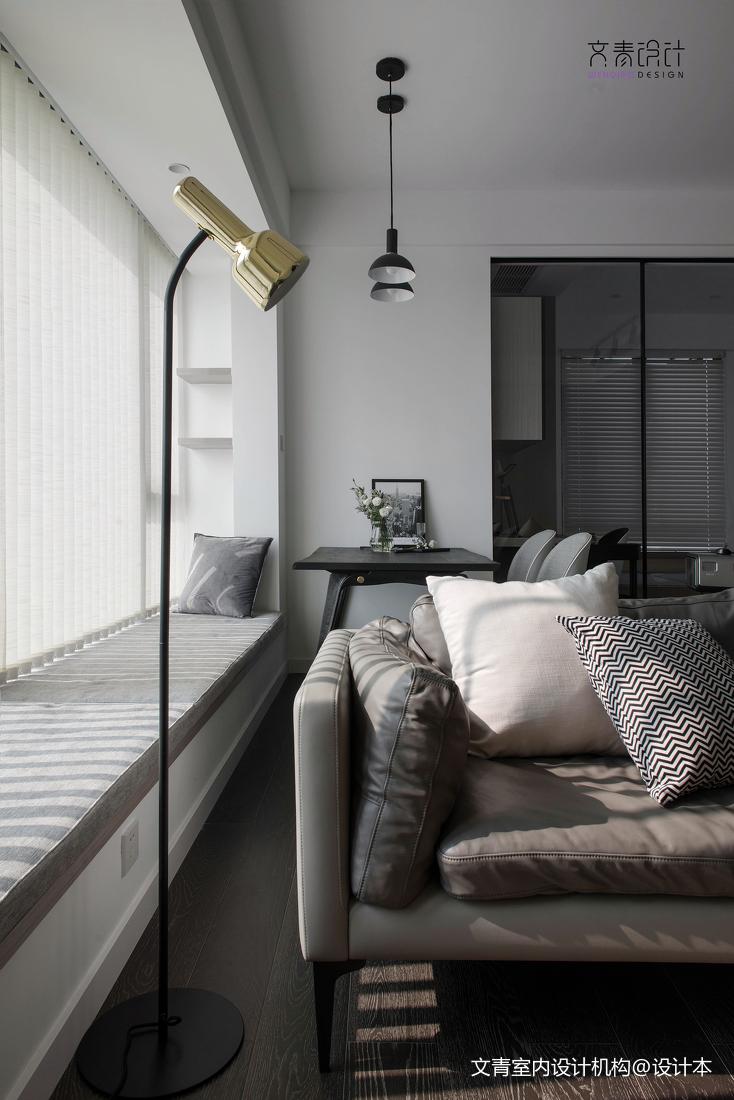 飘窗装修图片效果图_黑白现代客厅飘窗设计实景 – 设计本装修效果图
