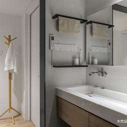 简约风三室卫浴洗手台设计