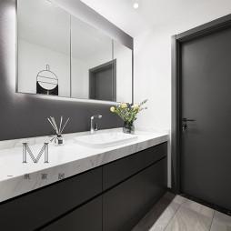 130m² 现代卫浴洗手台设计